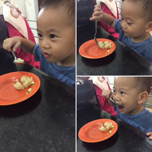 Melatih Kemandirian Anak - Makan dan Minum Sendiri (3)