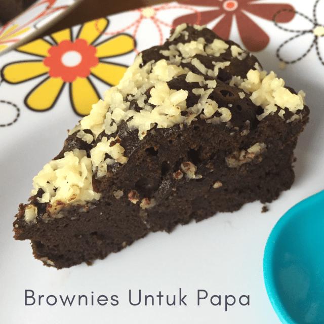 Brownies Kukus Pondan Untuk Ulang Tahun Papa